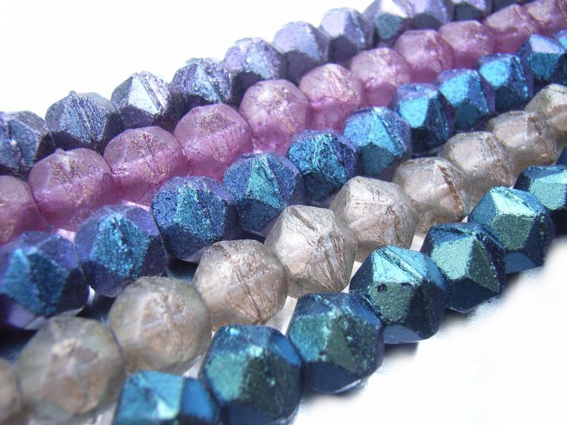 900 Pinkish Purple 7MM Cut Glass Crystal Beads Antique Vintage