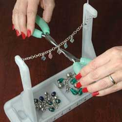 Bead Buddy - Stabilisation Solution Charm Chain Bracelet Station