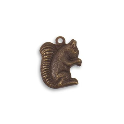 Vintaj Natural Brass 16.2x12.8mm Gathering Squirrel