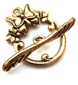 Butterfly Trio Toggle Clasp - Gold Tone x1