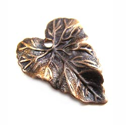 Vintaj Natural Brass 18x14mm Woodland Leaf Charm x1