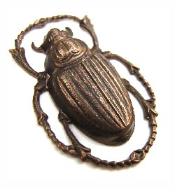 Brass VINTAJ - Natural - 20x32mm Scarab Pendant x1