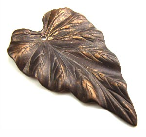 Vintaj Natural Brass - 23x38mm Woodland Leaf Pendant x1