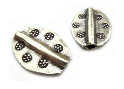 Thai Karen Hill Tribe Silver Beads - 16x12mm Daisy Pattern Flat Oval Bead x1