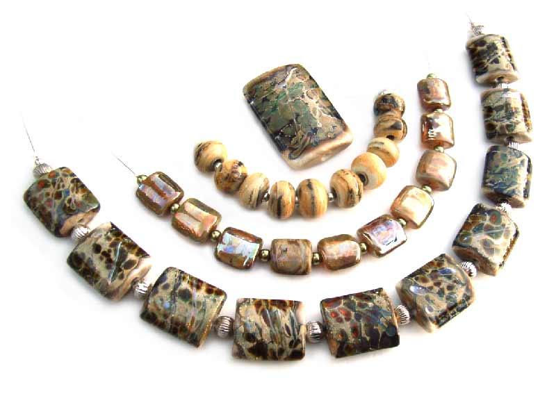 Summer Aurae Glow - Huge set (31 beads) inc Focal Pendant - Ian Williams Artisan Glass Lampwork Beads