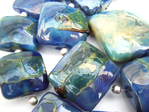 Shimmery Cushions - Ian Williams Handmade Artisan Glass Lampwork Set of 14 beads plus a 25x25mm Focal bead