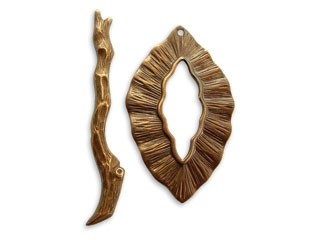 Vintaj Natural Brass 24x39mm Woodland Toggle Ring and Bar Set x1